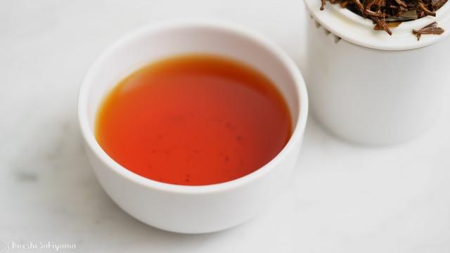 テイスティングカップで淹れたキャンディの紅茶