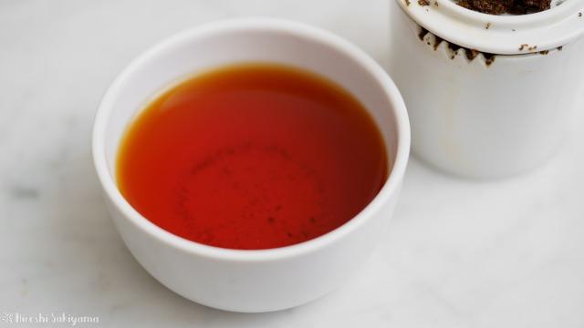 テイスティングカップで淹れたウバの紅茶