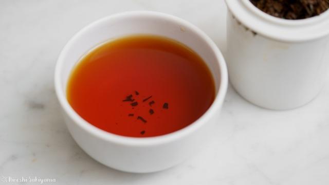 テイスティングカップで淹れたキーモンの紅茶