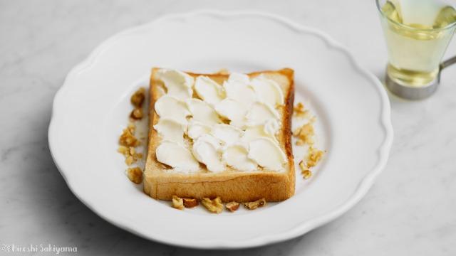 クリームチーズのオープンサンドイッチ